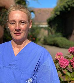 Foto von Anja Wortberg, Tiermedizinische Fachangestellte der Tierärztlichen Klinik für Pferde Dr. Cronau in Bochum